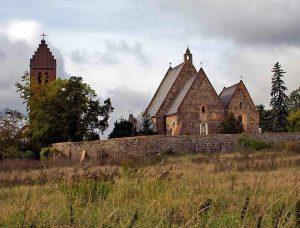 Jakubów (odległość od Zamku: 20km)